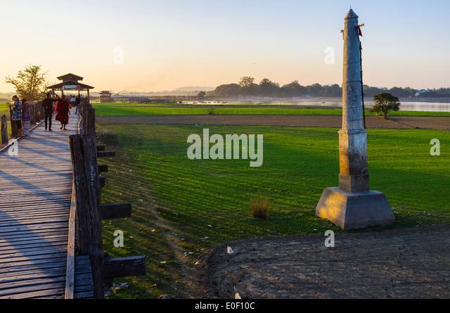 Säule am U Bein Brücke in der Nähe von Amarapura, Myanmar, Asien Stockbild