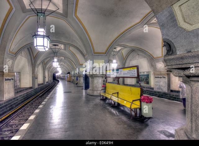 In der reich verzierten hundert Jahre alte Heidelberger Platz u-Bahnstation (u-Bahn) in Berlin. Stockbild