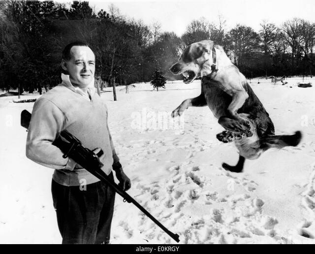 Speed King Donald Campbell mit seinem Hund Stockbild