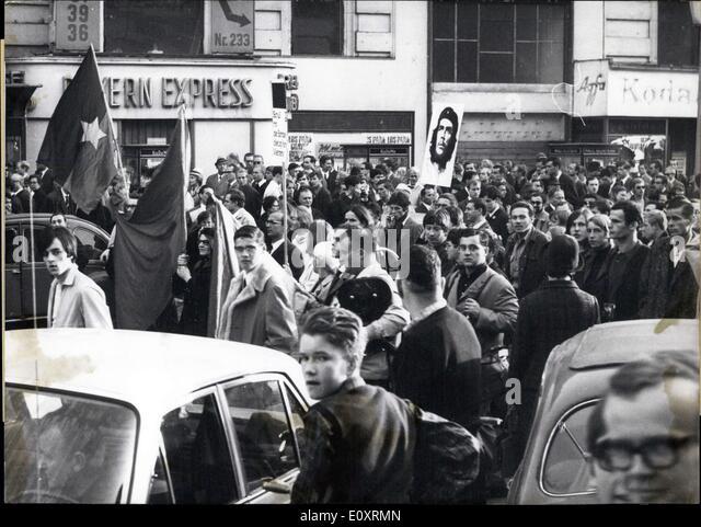 23. Oktober 1967 - Proteste überall, dass die Welt am 21.-22. Oktober Wochenende gegen den amerikanischen Krieg Stockbild