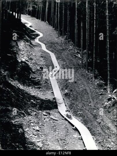 24. Februar 2012 - die weltweit längste Rutsche.: der Besitzer der einen Skilift in fachlichen / Sauerland Stockbild