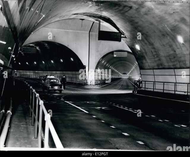 24. Februar 2012 - Inside the Mersey-Tunnel: der längste der Welt. Die Gabel, an der die Rendel Straße Stockbild
