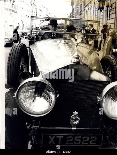 17. April 2012 - Rolls Oldtimer Royce angetrieben von Lord Mountbatten durch London. Eines Großbritanniens Stockbild