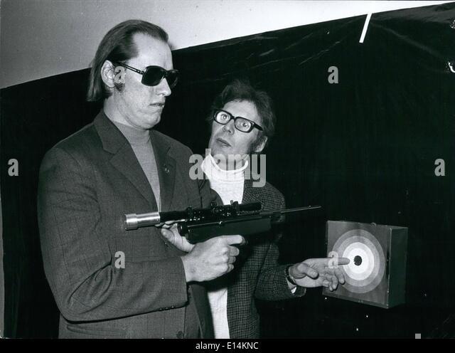 18. April 2012 - der blinde Schläge '' (Illegible)'' auf den Wettbewerb: gab es '' Stockbild
