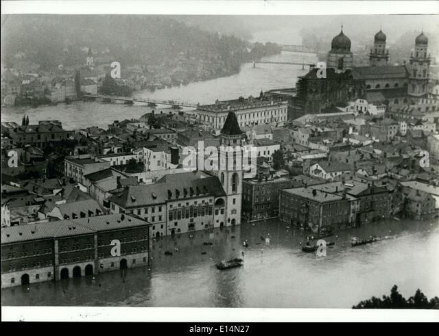 18. April 2012 - Flut-Katastrophe In Passau / Deutschland: der Dauerregen der letzten Tage brachten eine Überschwemmungskatastrophe Stockbild