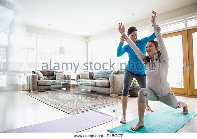 Healthy living stockfotos healthy living bilder alamy for Yoga wohnzimmer langenzersdorf