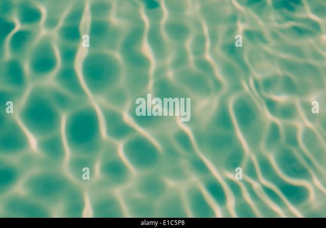 Ripple Muster auf dem Wasser in einem Pool. Stockbild