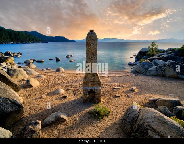 Historischen Kamin Schornstein Beach. Lake Tahoe, Nevada - Stock-Bilder