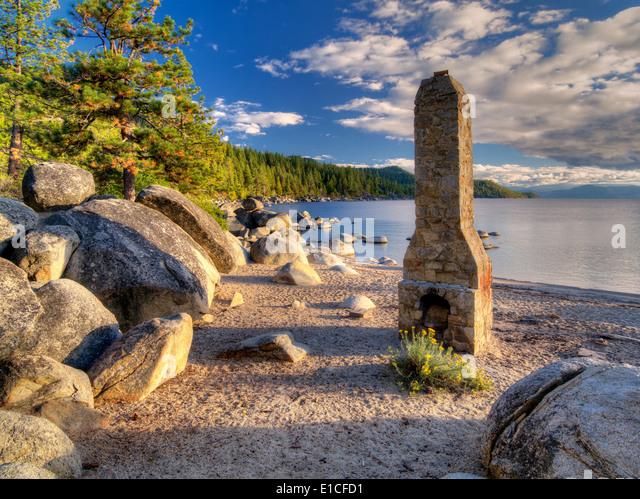 Historischen Kamin Schornstein Beach. Lake Tahoe, Nevada Stockbild