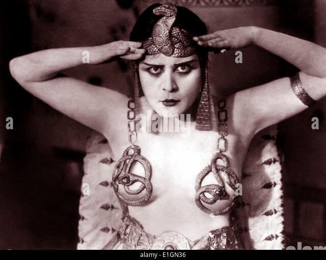 Theda Bara in dem 1917 Film Cleopatra Stockbild