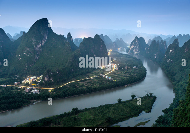 Karst Gebirgslandschaft auf dem Li-Fluss in Xingping, Provinz Guangxi, China. Stockbild