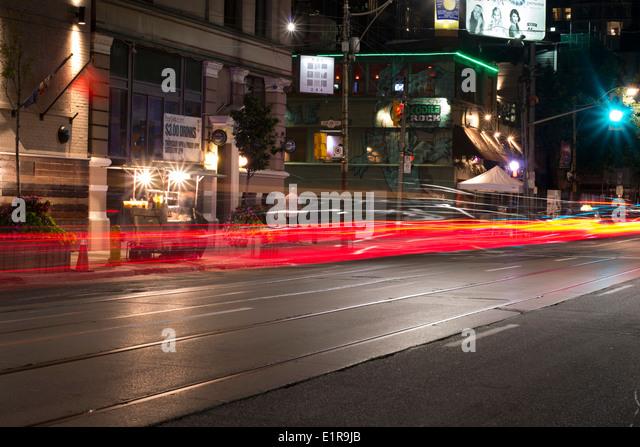 Rote Lichter Wanderwege in Toronto, Kanada. Stockbild