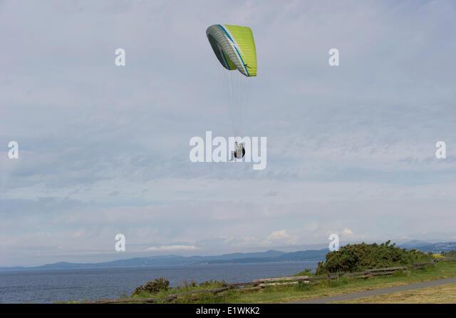 Paragliding ist die Freizeit wettbewerbsfähige Abenteuersport Gleitschirme fliegen: leichte freifliegenden Stockbild