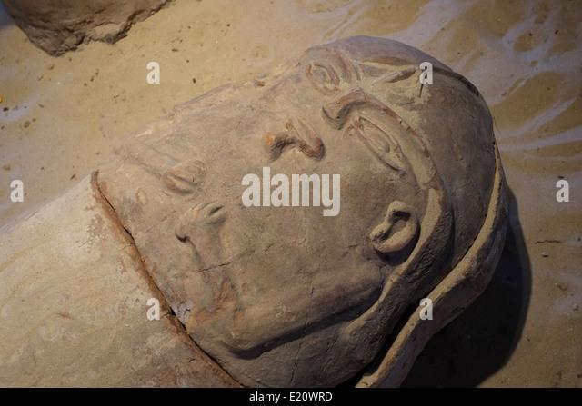Alte ägyptische Menschenaffen Sarg gefunden im Gaza-Streifen in Eretz Israel Museum in Tel Aviv Israel ausgestellt Stockbild