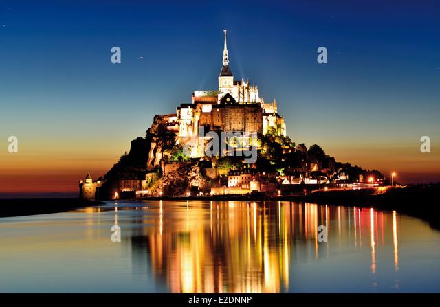 Frankreich, Normandie: Le Mont Saint-Michel bei Nacht - Stock-Bilder