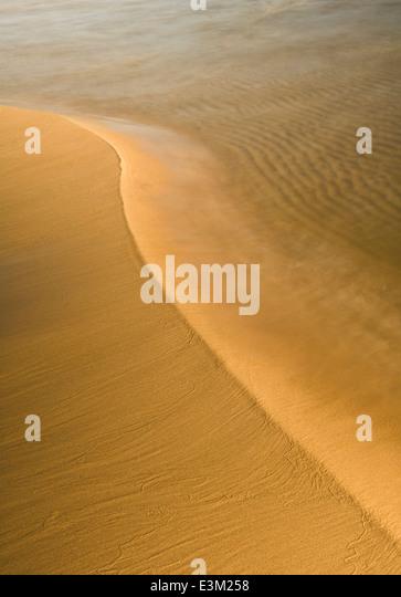 Beruhigende Sand Muster an einem Strand am Lake Superior Stockbild
