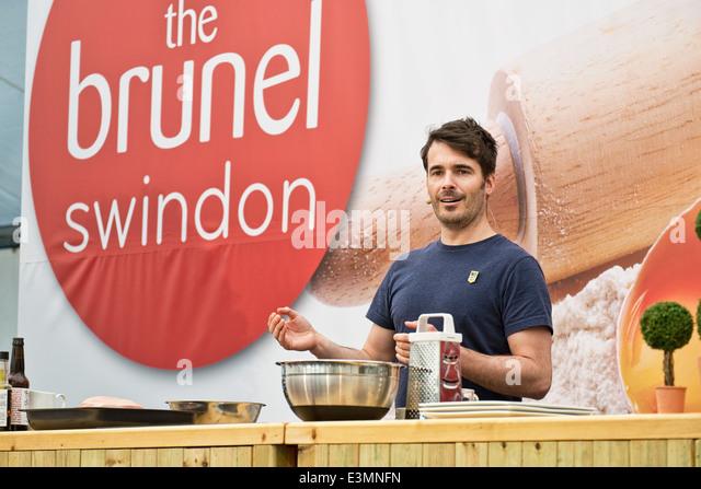 Promi-Bäcker Tom Herbert, präsentiert eine Backen Demonstration auf der Mehl-Show, in der Brunel-Einkaufszentrum, Stockbild