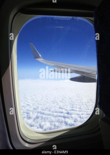Blick aus Airline-Fenster während des Fluges über den Vereinigten Staaten von Amerika. Stockbild