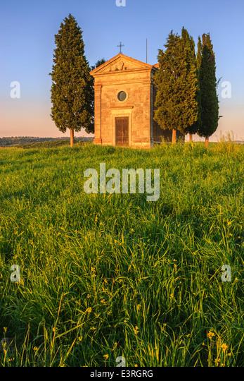 Die Cappella della Madonna di Vitaleta, im Herzen der Toskana, in der Nähe von Pienza in de Val d ' Orcia Stockbild