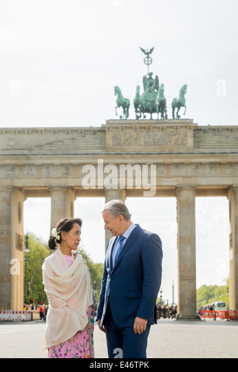 Berlin, Deutschland, Aung San Suu Kyi, NLD und Klaus Wowereit, SPD Stockbild