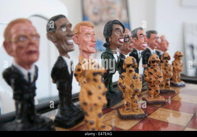 US-amerikanischer Politiker und Soldaten als Teil eines amerikanischen Anti-Terror-unter dem Motto-Schach-Sets Stockbild
