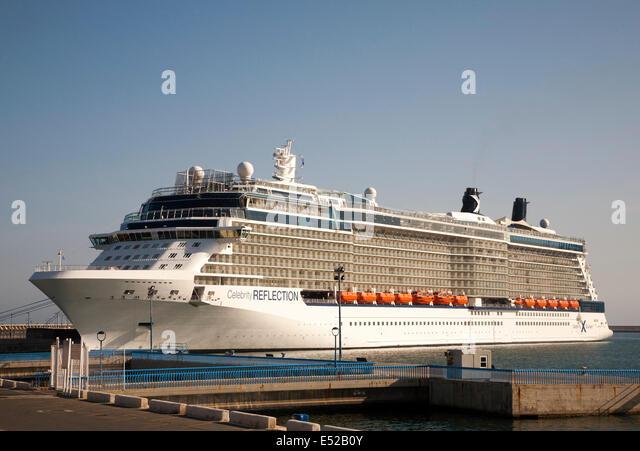 Celebrity Reflection Kreuzfahrtschiff im Hafen von Malaga, Spanien Stockbild