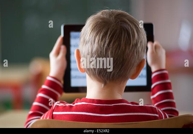 im Klassenzimmer Stockbild