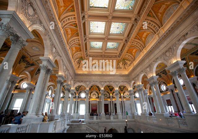 WASHINGTON D.C. - 23. Mai 2014: Besucher in der Library of Congress in Washington D.C. Die Library of Congress ist Stockbild