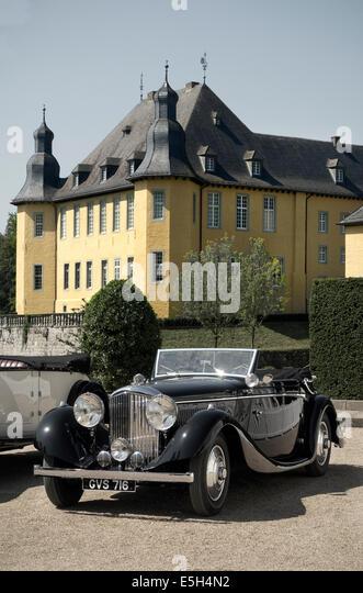 Oldtimer Bentley bei Schloss Dyck Mönchengladbach Germany Stockbild