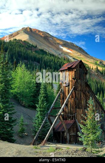 Welle Haus und Red Mountain Nr. 3, Yankee Girl Mine, in der Nähe von Ouray, Colorado USA Stockbild