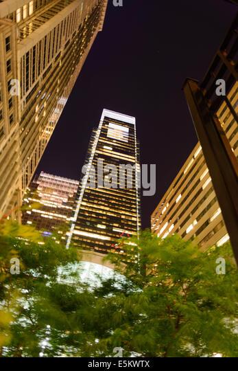 Nacht Straßenbild in der Innenstadt von Philadelphia Stockbild