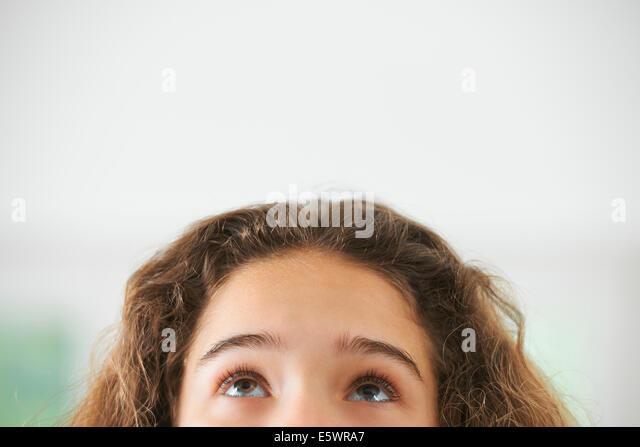 Porträt des jungen Mädchens, Fokus auf Augen Stockbild