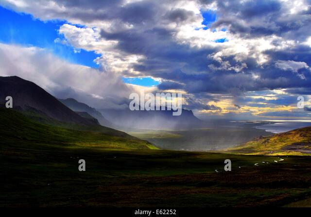 Panoramablick auf Fagradalsfjall off-Road 43 auf Snaefellsnes Halbinsel an der westlichen Seite von Island.  Rasen Stockbild