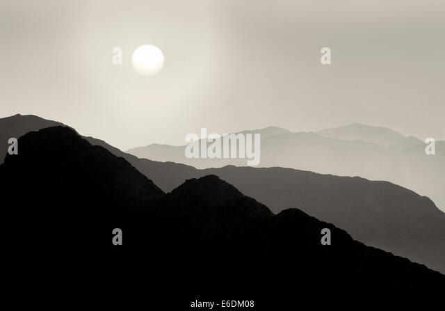 Hügel von Santa Rosa und San Jacinto Mountains National Monument und Sonnenuntergang, California Stockbild