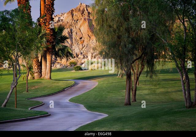 Pfad im silbernen Rock Golfresort. La Quinta, Kalifornien Stockbild