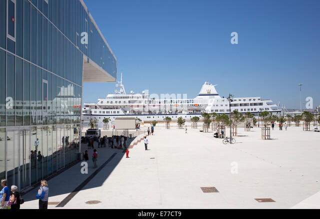 Hafen von Marseille und Museum der europäischen und mediterranen Kulturen Stockbild