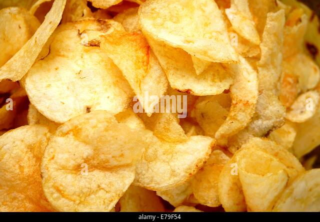 Kartoffel-Chips, fehlerhaft gebraten Snack, Close up Stockbild