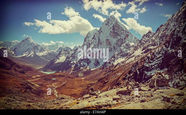 Retro Vintage gefilterte Bild des Himalaya-Gebirges Landschaft, Nepal. Stockbild
