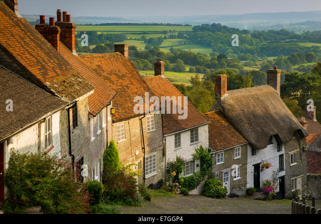Abend am Gold Hill in Shaftesbury, Dorset, England Stockbild