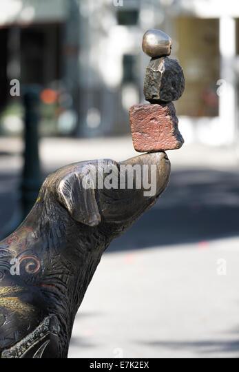 """""""Gedanken entdeckt"""", eine Skulptur von Brad Rude, in der Innenstadt von Walla Walla, Washington. Stockbild"""