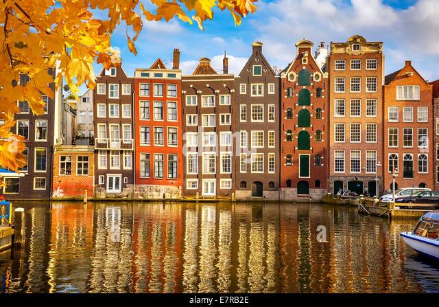 Altbauten in Amsterdam Stockbild
