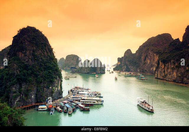 Vietnam, Halong-Bucht Stockbild