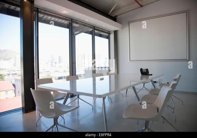 Zeitgenössische leeren Konferenzraum Stockbild
