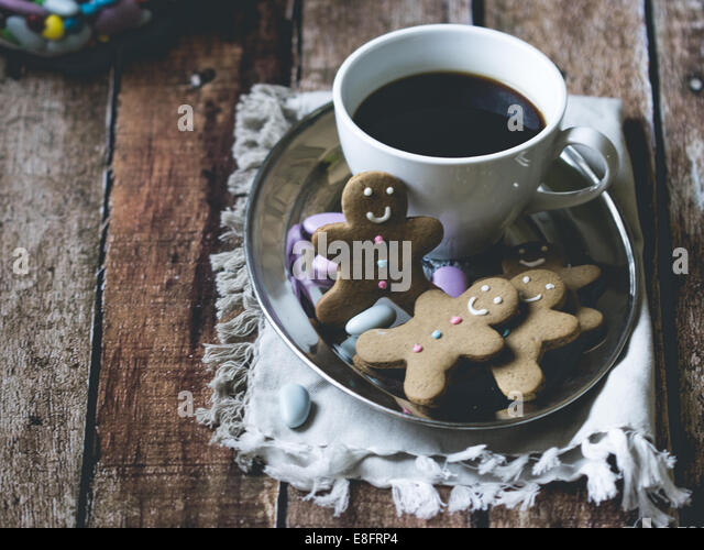 Kaffee und Lebkuchen Männer Stockbild
