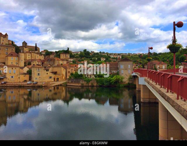 Frankreich, Puy L'Eveque Bild der Stadt Stockbild