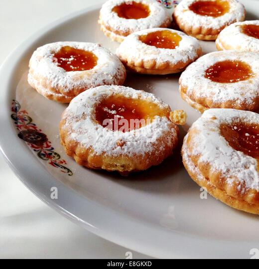 Italienische Kuchen auf Teller Stockbild