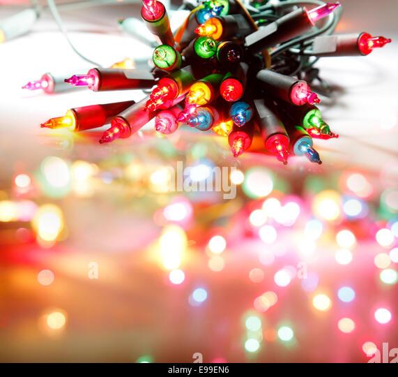 Nahaufnahme der Weihnachtsbeleuchtung Leuchten Stockbild