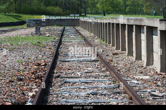 KZ Buchenwald, ehemaliger Bahnhof, verfolgen und am Ende der Rampe, Ettersberg, Weimar, Thüringen, Deutschland Stockbild