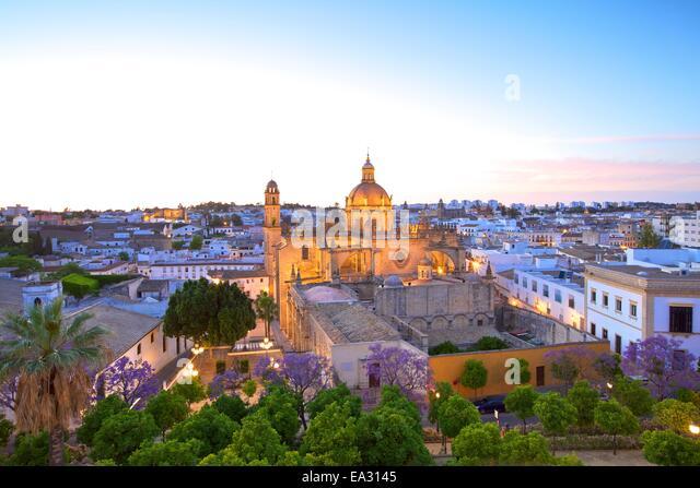 Die Kathedrale von San Salvador bei Dämmerung, Jerez De La Frontera, Provinz Cadiz, Andalusien, Spanien, Europa Stockbild