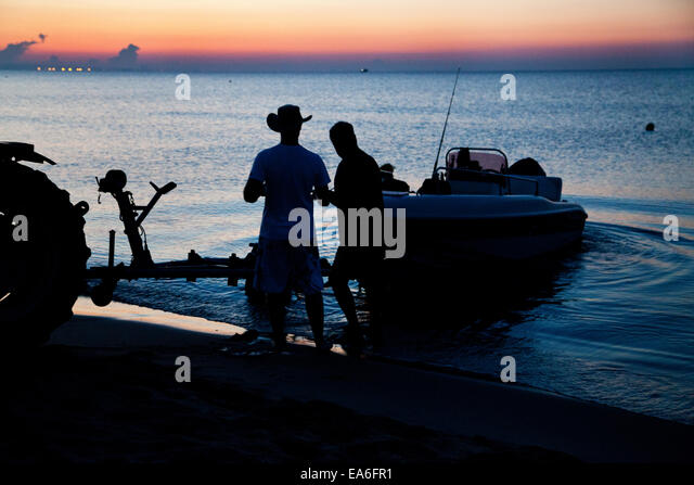Italien, Apulien, TA, Ginosa, Marina di Ginosa, italienische Fischer Stockbild